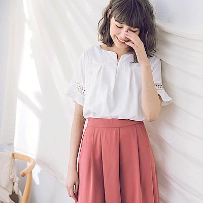 小V領純色拼接蕾絲布荷葉袖寬鬆上衣-OB嚴選
