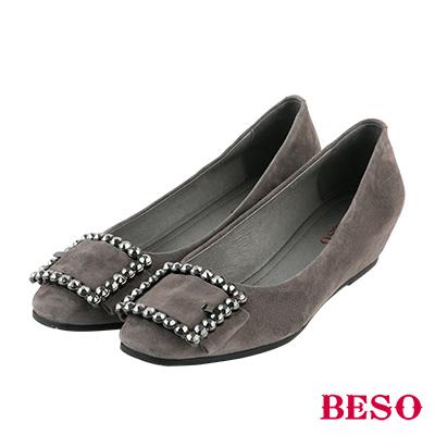 BESO 都會個性 全真皮方型飾釦內增高娃娃鞋~灰