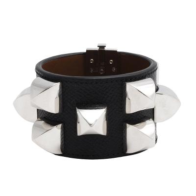 GIVENCHY寬版牛皮個性銀色鉚釘手環(黑)
