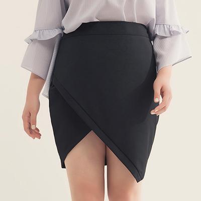 AIR SPACE PLUS 氣質交叉包臀短裙(黑)