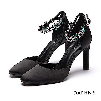 達芙妮DAPHNE 高跟鞋-花型水鑽一字踝帶布面高跟鞋-黑
