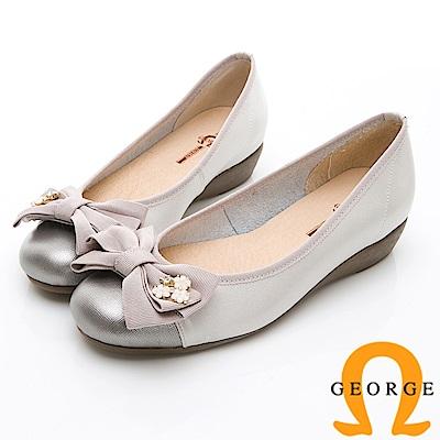 GEORGE 喬治-輕量系列 異材質拼接雙色蝴蝶結淑女鞋-珠光白