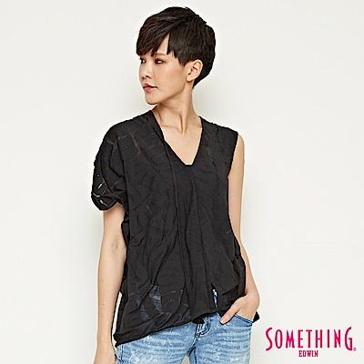 SOMETHING 不對稱袖燒花造型T恤-女-黑色