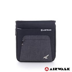 美國 AIRWALK極簡風格斜背包