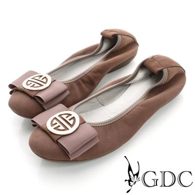 GDC百搭-超軟金屬飾扣彈力真皮平底娃娃鞋-駝色