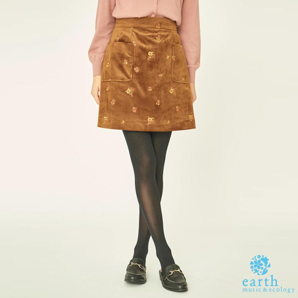 earth music 花卉刺繡絲絨短裙