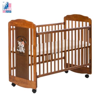 【美國 L.A. Baby】愛丁熊搖擺中小嬰兒床 原木床 童床 (咖啡色)