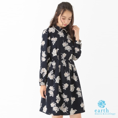 earth music 蕾絲襯衫領復古花柄喬其紗洋裝-10163H41010