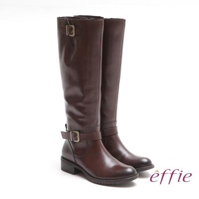 effie 城市漫遊 經典質感真皮雙釦飾長靴 咖啡