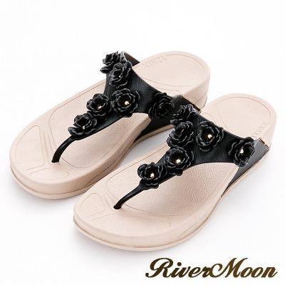 River&Moon拖鞋-Q軟輕量防水T字小花夾腳厚底涼鞋-黑