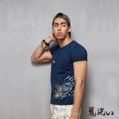 鬼洗 BLUE WAY 日式雕花植絨短袖T恤-丈青