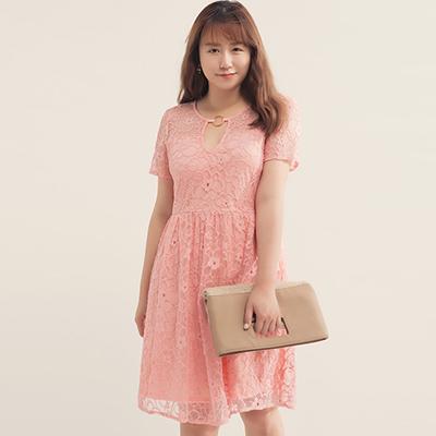 AIR SPACE PLUS 金屬環蕾絲短洋裝(粉紅)