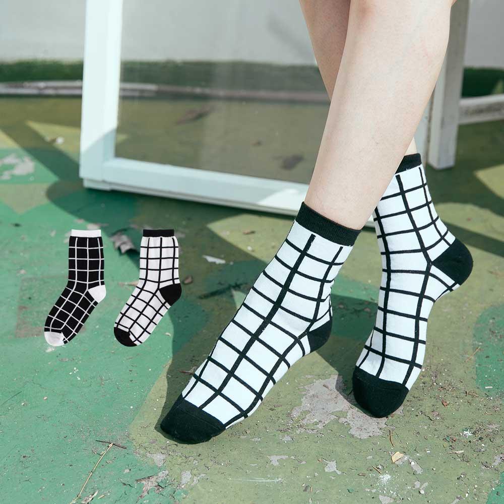 Blossom Gal 黑與白的結合格紋造型短襪2入(共2色)