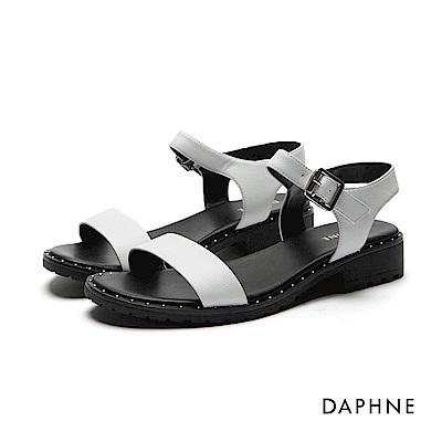 達芙妮DAPHNE 涼鞋-珠釘飾邊一字粗跟涼鞋-白