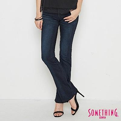 SOMETHING VIENUS後袋鈄剪接靴型牛仔褲-女-原藍磨