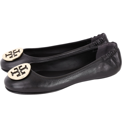 TORY BURCH Minnie Travel 圓弧金屬盾牌飾折疊平底鞋(黑色)