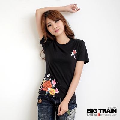 BIG TRAIN 女款 花團錦簇印花TEE-黑