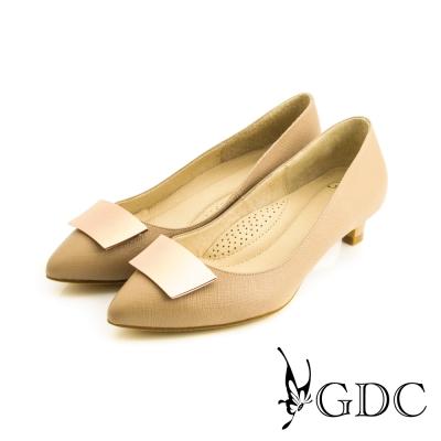 GDC-簡約時尚方形飾扣細格紋真皮尖頭低跟鞋-粉色