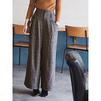 英倫細格紋高腰俐落寬版褲-OB大尺碼