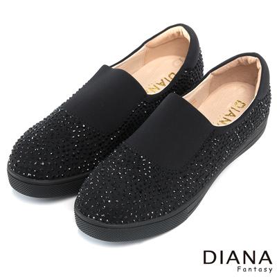 DIANA-超厚切焦糖獅子款-水鑽滿點個性平底休閒鞋-黑