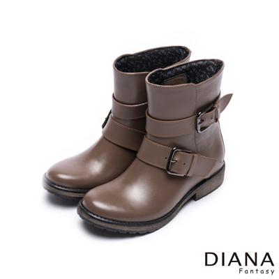 DIANA 時尚雨靴--質感木紋百搭經典方釦工程雨靴-卡其