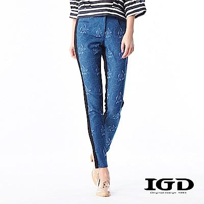 IGD英格麗 悠閒風浪漫花型抓破特殊牛仔拼接長褲-藍