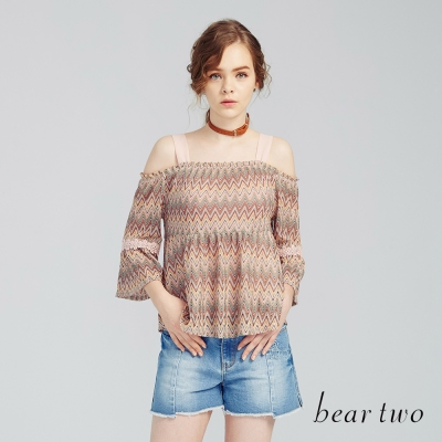 beartwo 民俗條紋風一字領露肩上衣(粉橘)-動態show