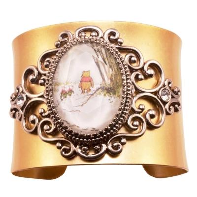 迪士尼 DISNEY COUTURE 水晶小熊維尼X小豬皮杰 雪地散步金色古典寬版手環