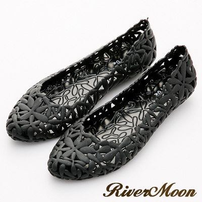 River&Moon雨鞋-晴雨二穿簍空雕花Q軟防水低跟鞋-黑系