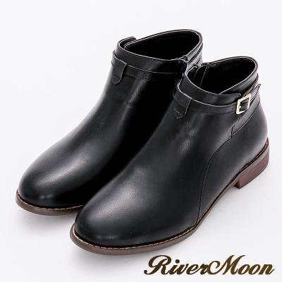 River&Moon加大尺碼-簡約韓風.交叉釦帶及踝短靴-黑