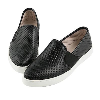 BESO 都會率性 全真皮圓形沖孔舒適休閒鞋~黑