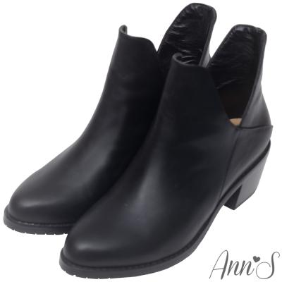 Ann'S帥氣韓系-素面雙側V顯瘦簡約粗跟短靴-黑
