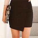 正韓 立體斜線不對襯拼接窄短裙 (黑色)-N.C21