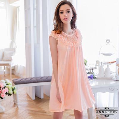 大尺碼-粉橘蕾絲小蓋袖柔緞睡衣L-2L-Annabery