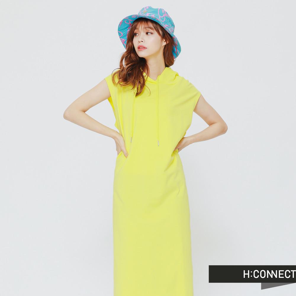 H:CONNECT韓國品牌女裝-俏皮純色連身帽小洋裝-黃