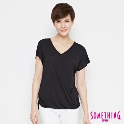 SOMETHING 優雅交疊V領T恤-女-黑色