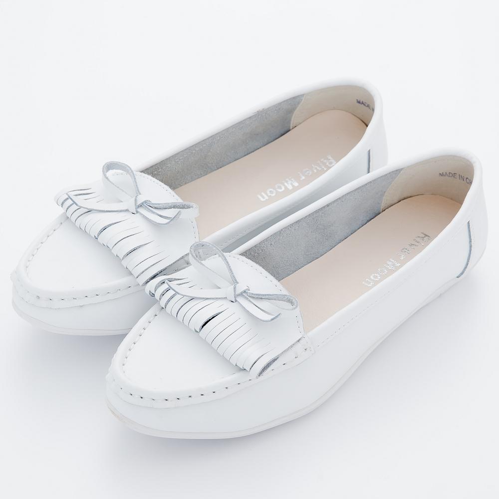 River&Moon莫卡辛-大尺碼韓版微尖頭朵結流蘇超軟Q真皮鞋-白系