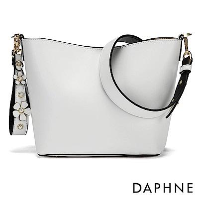 達芙妮DAPHNE-雙色珠飾花朵手提側背兩用包-黑