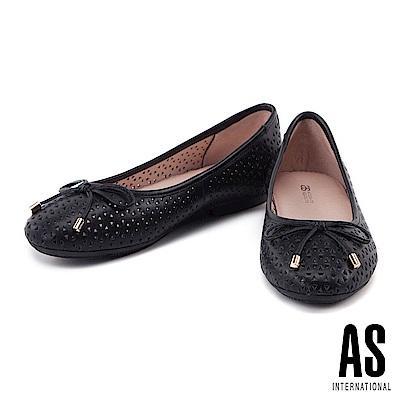 娃娃鞋 AS 俐落幾何沖孔造型全真皮平底娃娃鞋-黑