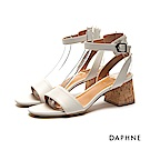 達芙妮DAPHNE 涼鞋-穿繩裝飾後幫片一字帶中跟涼鞋-米白