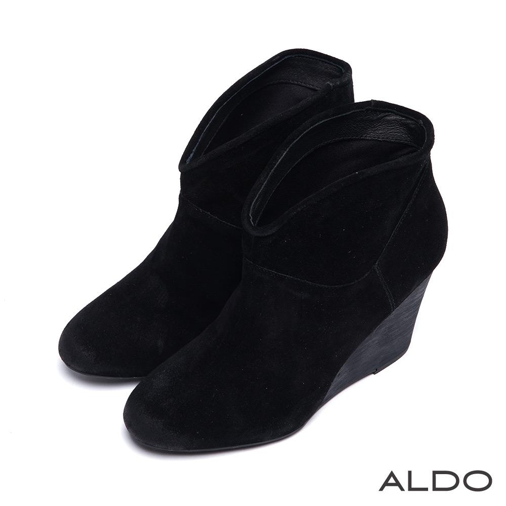 ALDO 簡約修身麂皮質感個性木紋跟楔型踝短靴~個性黑