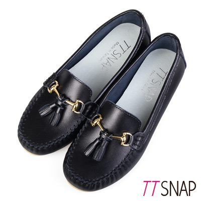 TTSNAP莫卡辛-MIT流蘇扣飾優雅豆豆鞋 黑