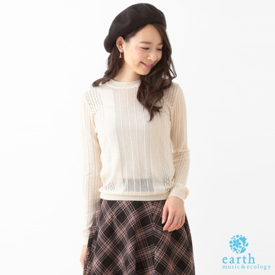 earth music  鏤空鈎織微高領針織上衣