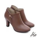 A.S.O 優雅美型 牛皮拼接絨面金屬飾扣高跟短靴 茶色