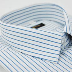 金‧安德森 白底藍條紋短袖襯衫