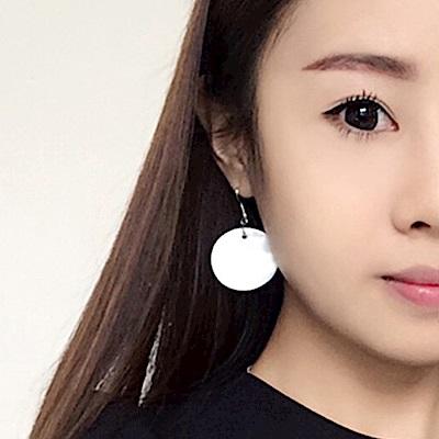 Hera 赫拉 天然貝殼白色圓形個性耳針/耳夾