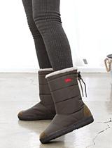 羽絨輕巧防水中筒雪靴