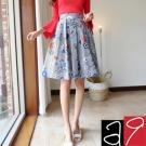 正韓 繽紛花朵斜線紋及膝裙-(深藍色)a9