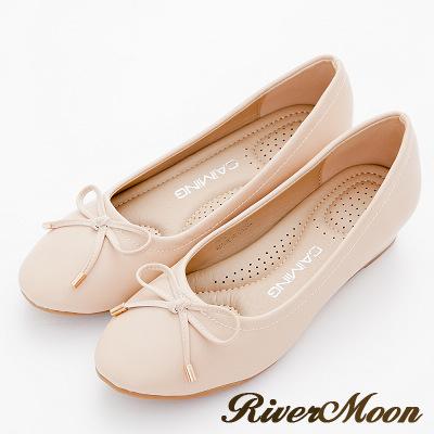 River&Moon包鞋-氣質蝴蝶結舒壓軟墊圓頭楔跟鞋-米杏
