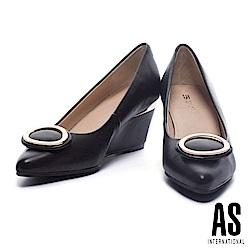 高跟鞋 AS 典雅質感金屬橢圓釦設計羊皮尖頭楔型高跟鞋-黑